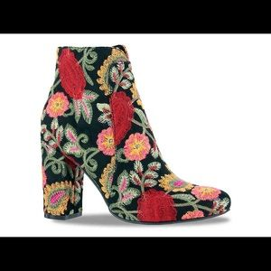 Mia Embroiled Flower Boots -NWT